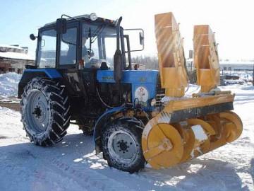 Снегоуборочная тракторная техника