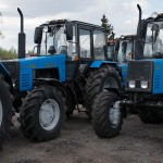 Трактор МТЗ 1221 .3-4